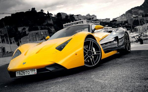 Желтая Marussia B1