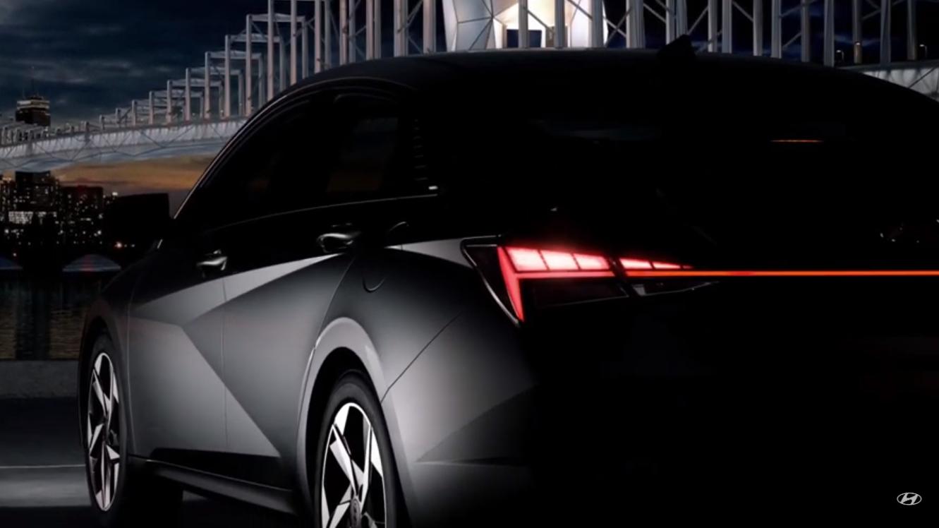 Задняя оптика Hyundai Elantra