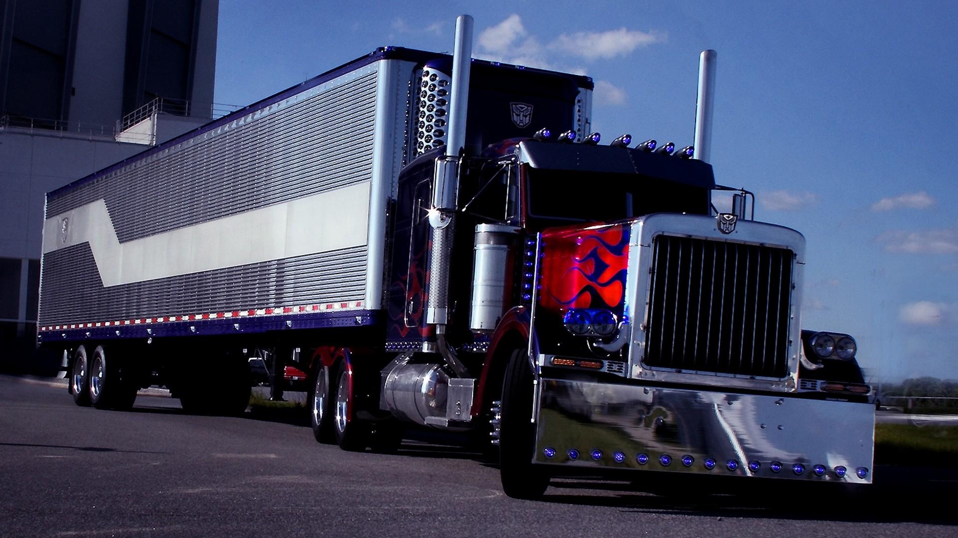 Peterbilt 359 Optimus Prime
