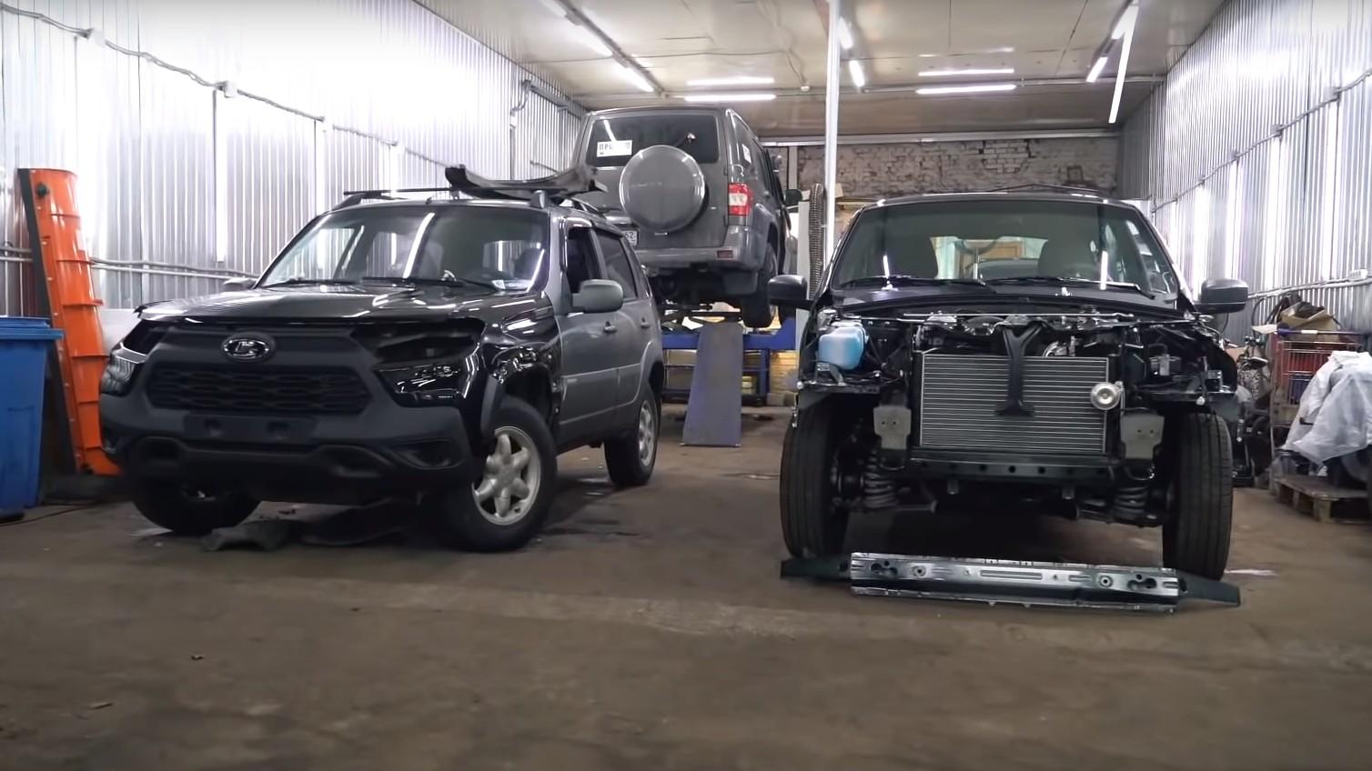 "Chevrolet Niva (слева) c ""мордой"" от Lada Niva Travel (справа)"