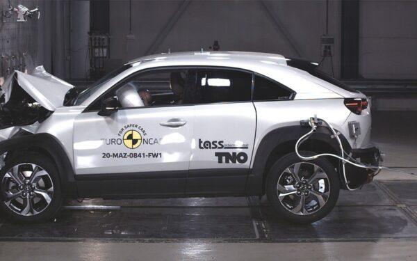 Краш-тест Mazda MX-30